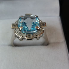 Wow! Genuine 6.48cts Brazilian Sky Blue Topaz with Brazilian white Topaz in the Asscher cut. Rare. Art Deco style