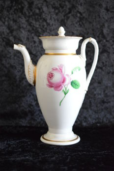 Meissen ceremonial teapot, red rose