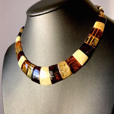 Wide necklace Baltic amber slices (not pressed) - length 46 cm- width 24 mm