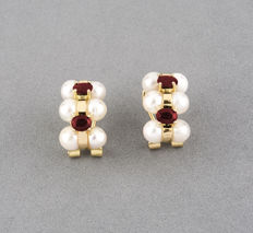 18 kt gold – Earrings – Rubies, 1.20 ct – Pearl - Pearl diameter: 4.80 mm