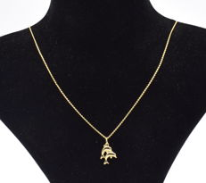 14 carat yellow gold chain with double dolphin pendant  - 45 cm
