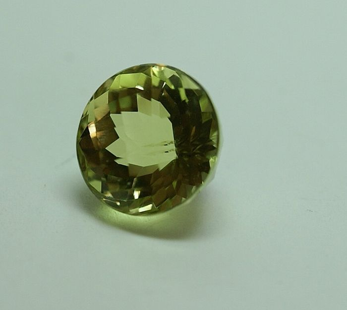 Apatite,  greenish-yellow,  3.78 ct
