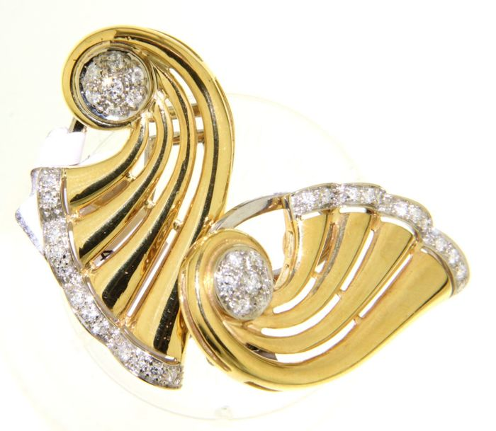 yellow golden earrings with diamond - 18 kt.