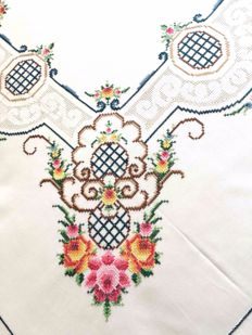 Tablecloth complete with napkins - entirely hand embroidered