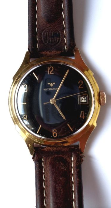 Wittnauer - black dial - wristwatch for men - circa 1960