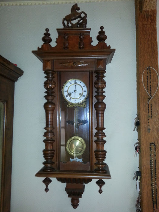 Majestic large wall regulator clock with Thomas Ernst Haller Schwenningen movement – around 1925/1929 – clock case needs some atttention