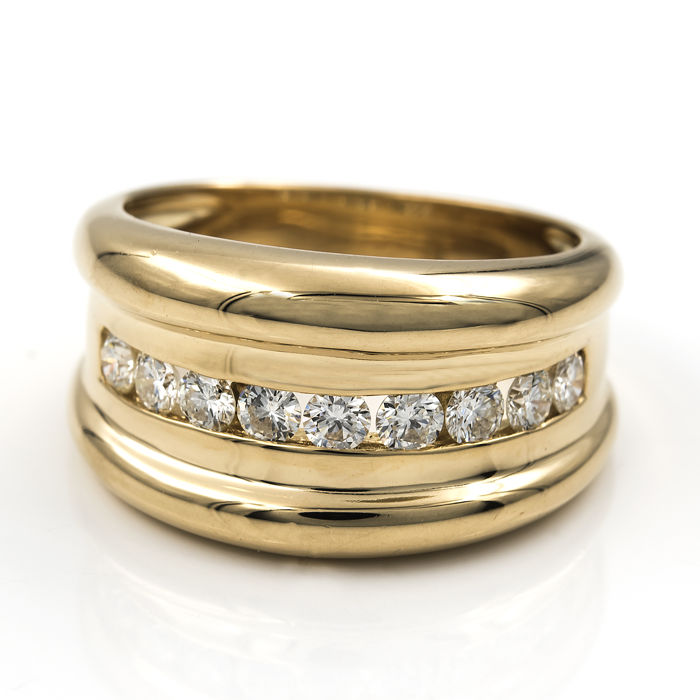 Yellow gold ring set with 9x brilliant cut diamonds totalling 0.90 ct – Size: 15 (Spain)