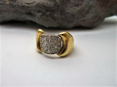 Ring in 18 kt gold with zirconias