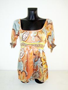 Hale Bob design silk tunic with nice print, colours and bow.