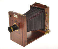 J. Sachs Berlin, nice wooden camera for plates 13x18cm with lens