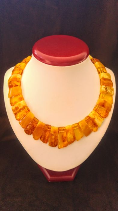 Huge 100 % Genuine Egg yolk colour Baltic Amber necklace, length ca. 45 cm