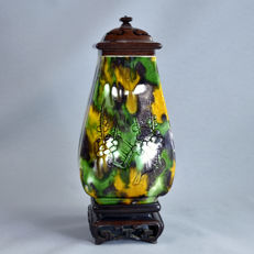 Sancaï lided vase, with its stand - China - 17th century (Kangxi period)