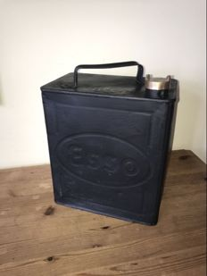 ESSO - Oil can made of tin - 32x25x15 cm - around 1936