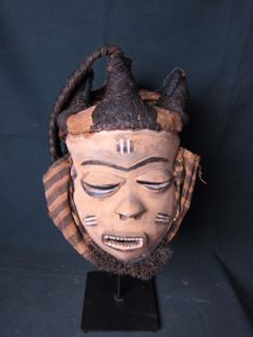 PENDE mask Phumbu - 4 horns with tails - D.R. Congo
