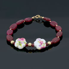 18k/750 yellow gold bracelet with rubies and porcelain - Length, 20 cm.
