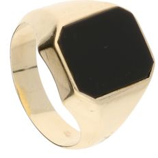 14 kt yellow gold signet ring set with black onyx – Ring size: 19 mm