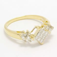 14 kt Yellow Gold 0.33 ct Diamond Ring  ,  Size: 7.75