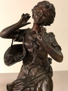 """Ernest Rancoulet"" (1870-1915) - Bronze patinated zamak sculpture of a young woman - L'Echo - France - ca. 1900"