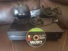 Xbox one - 500 GB - boxed incl 1 game without box.