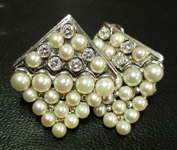Earrings with Japanese pearls and 0.80 ct diamonds - Italian Design