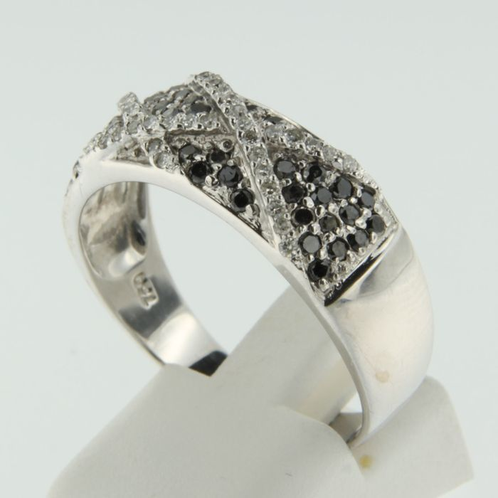 18 kt white gold ring with diamonds 0.8 ct - 64 (EU)