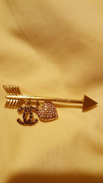 Authentic Chanel Heart Arrow Brooch Pin 02P with Pink Crystals ..