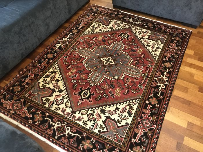 Like New Persian Heriz Rug 200x150cm -hand knotted