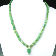 Necklace with Roman green glass beads - 50 cm
