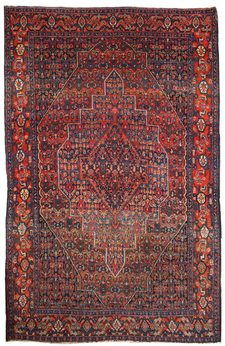 Hand made antique Persian Senneh rug 4.1' x 6.5' ( 126cm x 198cm )