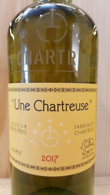 "Yellow Chartreuse ""Une Chartreuse"" Vintage 2017"