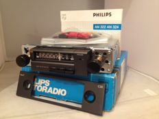 Classic Philips AN 322 car radio from 1983  Volkswagen/Ford/Opel ( Mint )