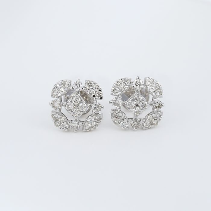 18 kt/750 White Gold Diamond Earrings - Diamonds 0.70 ct.