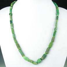 Necklace with Roman green glass beads - 52,5 cm