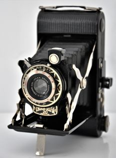 Circa 1930's   ENSIGN   'Selfix 20'  Art-Deco Folding Camera.