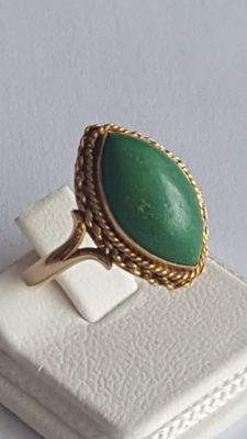 18 K Vintage Ring with Green Turquoise