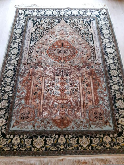 Exclusive Very Beautiful Hand-knotted Pakistan rug - 184cm x131cm !