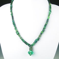 Necklace with Roman green glass beads - 49 cm