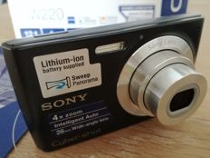 SONY DSC-W220 12.1MP smile shutter face detection ZEISS
