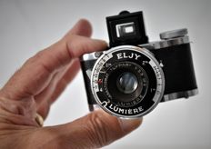 1944 LUMIERE   'Eljy'   Type 'A'   Subminiature Camera.