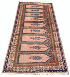 20th Century Fine Quality Hand Knotted Turkish Kaisery Silk Prayer Carpet Area Rug 186 cm x 83 cm