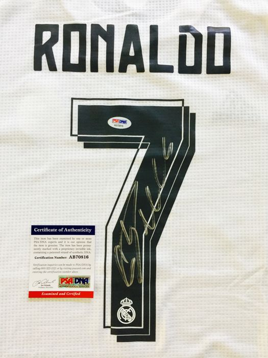 super popular aa611 47f1f Cristiano Ronaldo #7 / Real Madrid - Signed Home Jersey ...