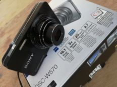 SONY CYBERSHOT DSC W570 16.1MP Panorama ZEISS