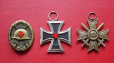 Collection of 3 medals / Iron Cross 2nd Class / War merit cross and Wounded badge WW 2