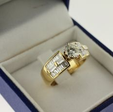 18 kt yellow gold ring inlaid with diamond, 1.80 ct, ring size: 17.25