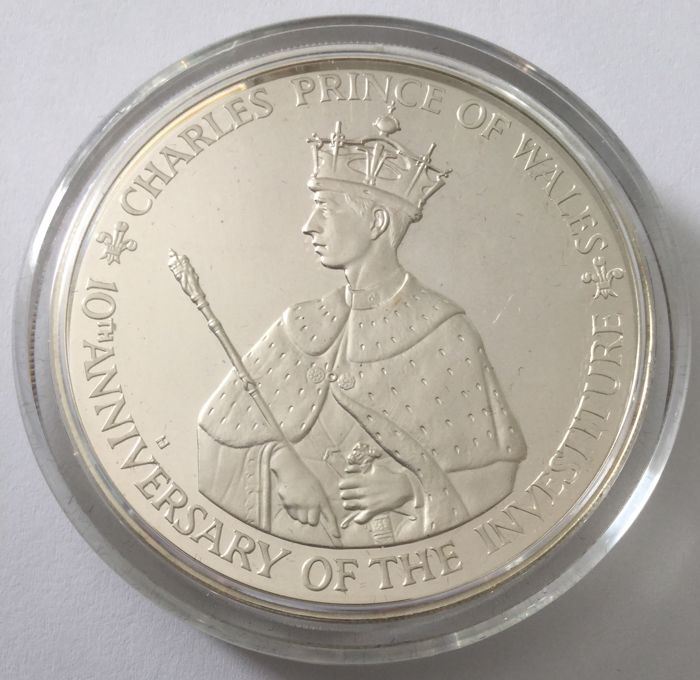 Jamaica – 25 Dollars 1979 'Charles Prince of Wales' – 2100 Grains (136 g) Silver