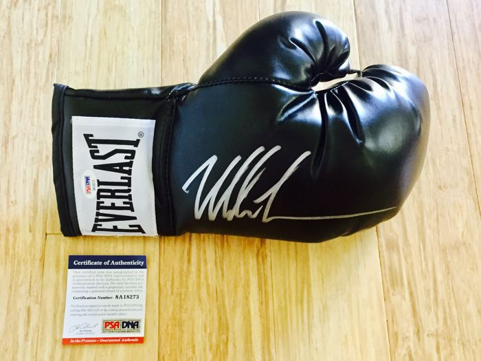 Mike Tyson /  Original Signed Everlast Boxing Glove - with Certificate of Authenticity PSA/DNA