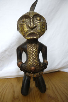 Fetish figure with a metal overlay - SONGYE - D.R.. Congo