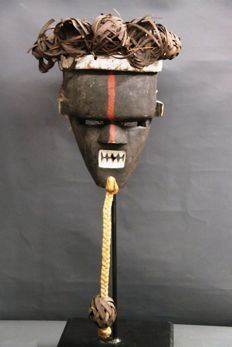 Old African mask:  SALAMPASU warrior, D.R of Congo.