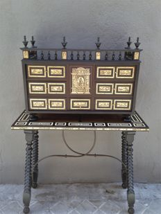 Cabinet or Bargueño desk with etched bone plates and original table - Spain - early 20th century