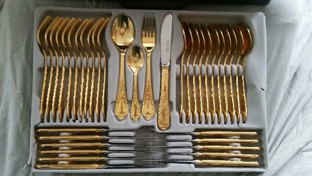 SBS Solingen Nivella (23/24 carat gold plated) cutlery set 72 pieces & SBS Solingen Nivella (23/24 carat gold plated) cutlery set 72 pieces ...